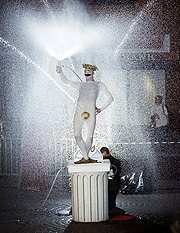 Avanti Display - The Spurting Man